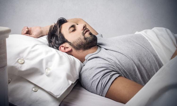 Mi történik, miért veszélyes, ha kimarad a légzés horkolás közben?